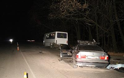 В Винницкой области пьяный водитель врезался в маршрутку, есть жертвы
