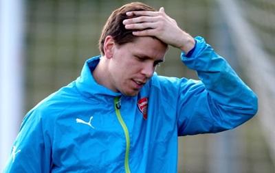 Вратарь Арсенала в игре FIFA 15 продал себя в Манчестер Юнайтед