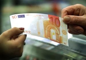 В Киеве цыганка выманила у женщины 4 тыс. евро, 7 тыс. долларов и несколько десятков тысяч гривен
