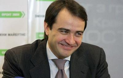 Вице-президент ФФУ после встречи с Платини пообещал болельщикам приятный сюрприз