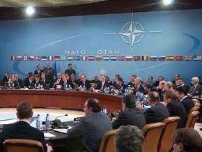 НАТО будет возить через Украину в Афганистан невоенные грузы