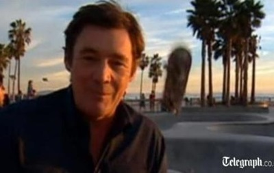 В США репортера ударило скейтбордом по голове во время съемок