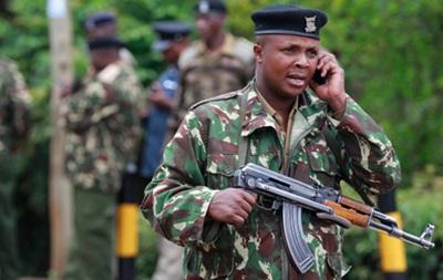 В автобусе в Кении расстреляли как минимум 28 человек