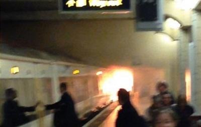 Поезд загорелся на станции метро в Лондоне