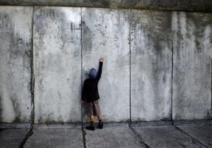 Строитель Берлинской стены рассказал, как бежал из ГДР под аплодисменты