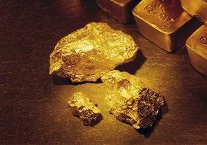 Рекорд за рекордом: золото пробило отметку в $1400