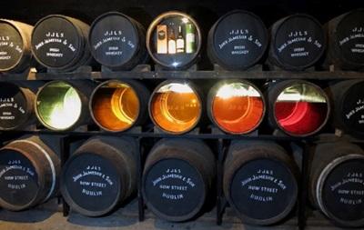 Со склада в Дублине украли более 15 тысяч бутылок виски