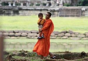 Более 60 детей умерли от загадочной болезни в Камбодже