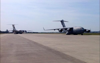 Аэропорты Украины закрывают под прием военных самолетов США - блогер