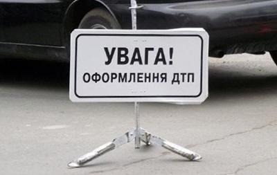 Под Харьковом столкнулись три авто, есть погибшие