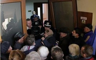 В Горловке люди штурмом взяли здание райадминистрации - СМИ