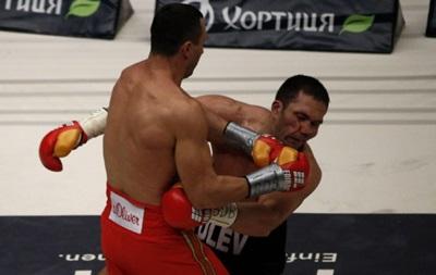 Бой Кличко - Пулев вошел в десятку лучших поединков года