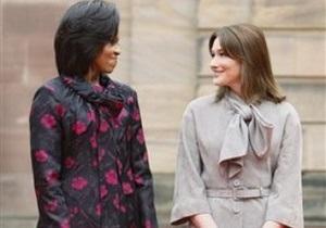 Белый дом опроверг слова Карлы Бруни об  адской жизни  Мишель Обамы в качестве первой леди