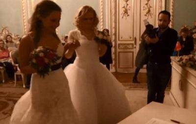 Обнародовано видео со скандальной первой ЛГБТ-свадьбы в России