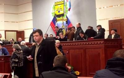 В сети обсуждают видео с якобы Семенченко при захвате Донецкой ОГА