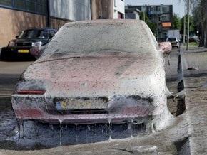 Автомобиль британца попал в сети гусениц