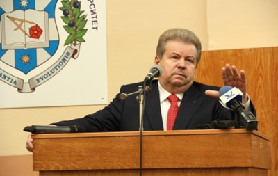Минобразования опровергает возврат лицензии вузу Поплавского