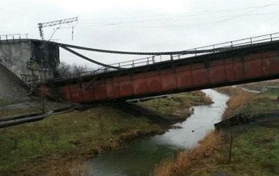 Подрыв моста в Мариуполе расценили как теракт