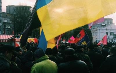 Протесты под Радой продолжаются: люди намерены разбить палатки