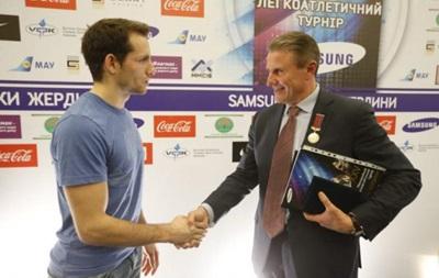 Престижный турнир Звезды шеста перенесен из Донецка в Киев