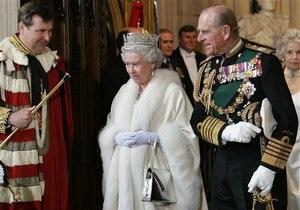 Би-би-си: Королевская семья под прицелом таблоидов