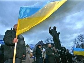 Опрос: Украине необходима  сильная рука  и новая политсила
