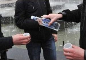 Комиссия по морали: Украинец выпивает 20 литров спирта в год