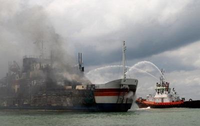 С горящего в Адриатике парома эвакуировали 394 человека