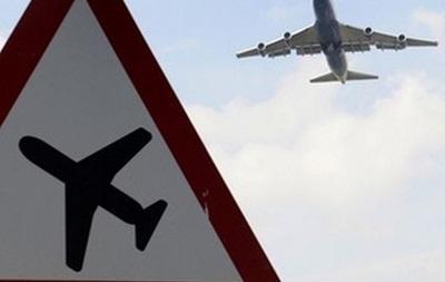 Из-за снегопада в Украине отменяют авиарейсы