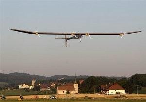 Самолет на солнечных батареях успешно завершил первый круглосуточный полет