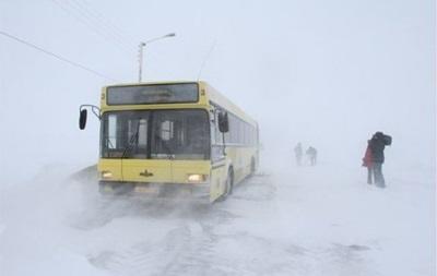 На Одесчине из снежного плена освободили автобус с туристами