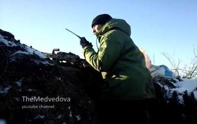 Бойцы АТО сняли на видео, как удерживают позиции возле аэропорта Донецка