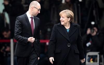 Итоги 8 января: Новый гумконвой из РФ, встреча Яценюка и Меркель в Берлине