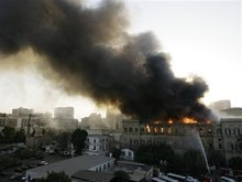 В парламенте Египта вспыхнул пожар, есть пострадавшие