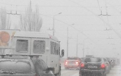 В Одесской области снегопады вновь ограничили движение транспорта