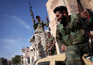 Глава ПНС призвал НАТО защитить Ливию от остатков сил Каддафи