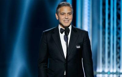 Золотой глобус 2015: Клуни поддержал пострадавших во время теракта в Париже