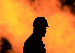 В Киеве во время пожара спасли двух мужчин