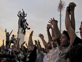 Власти Ирана освободили из тюрьмы 140 сторонников оппозиции