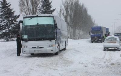 Перевозчики, несмотря на запрет, возят людей в зону АТО