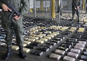В Колумбии задержали лодку с двумя тоннами чистого кокаина