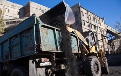 Донецкие пограничники задержали грузовики с 60 тоннами угля