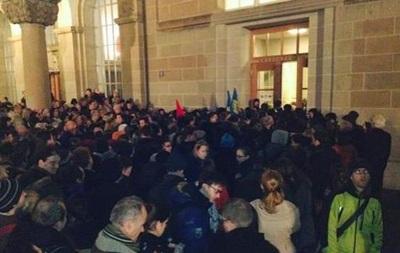 В Цюрихе протестовали против выступления Порошенко - СМИ