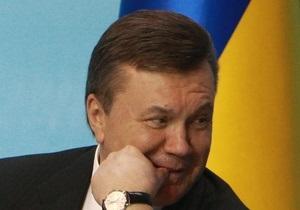 Янукович и Азаров поздравили детей с праздником