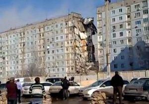 Число жертв обрушения жилого дома в РФ возросло до девяти. В Астрахань приехал Путин