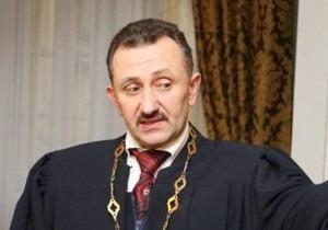 Пресс-секретарь Зварича сообщила, что экс-судья не ел материалы дела