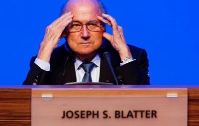 От FIFA отказались три крупных спонсора из-за политики Блаттера