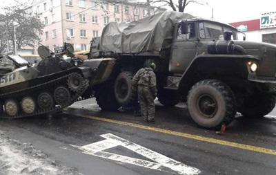 В Донецке  Урал  сепаратистов врезался в маршрутку