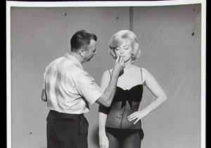 Неизвестные фотографии Мэрилин Монро выставят на аукцион