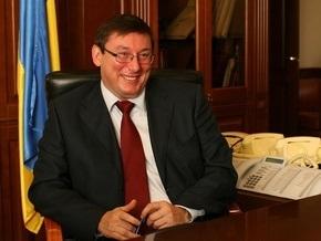 Луценко: Спокойно, милиция не станет на сторону какой-либо из политсил